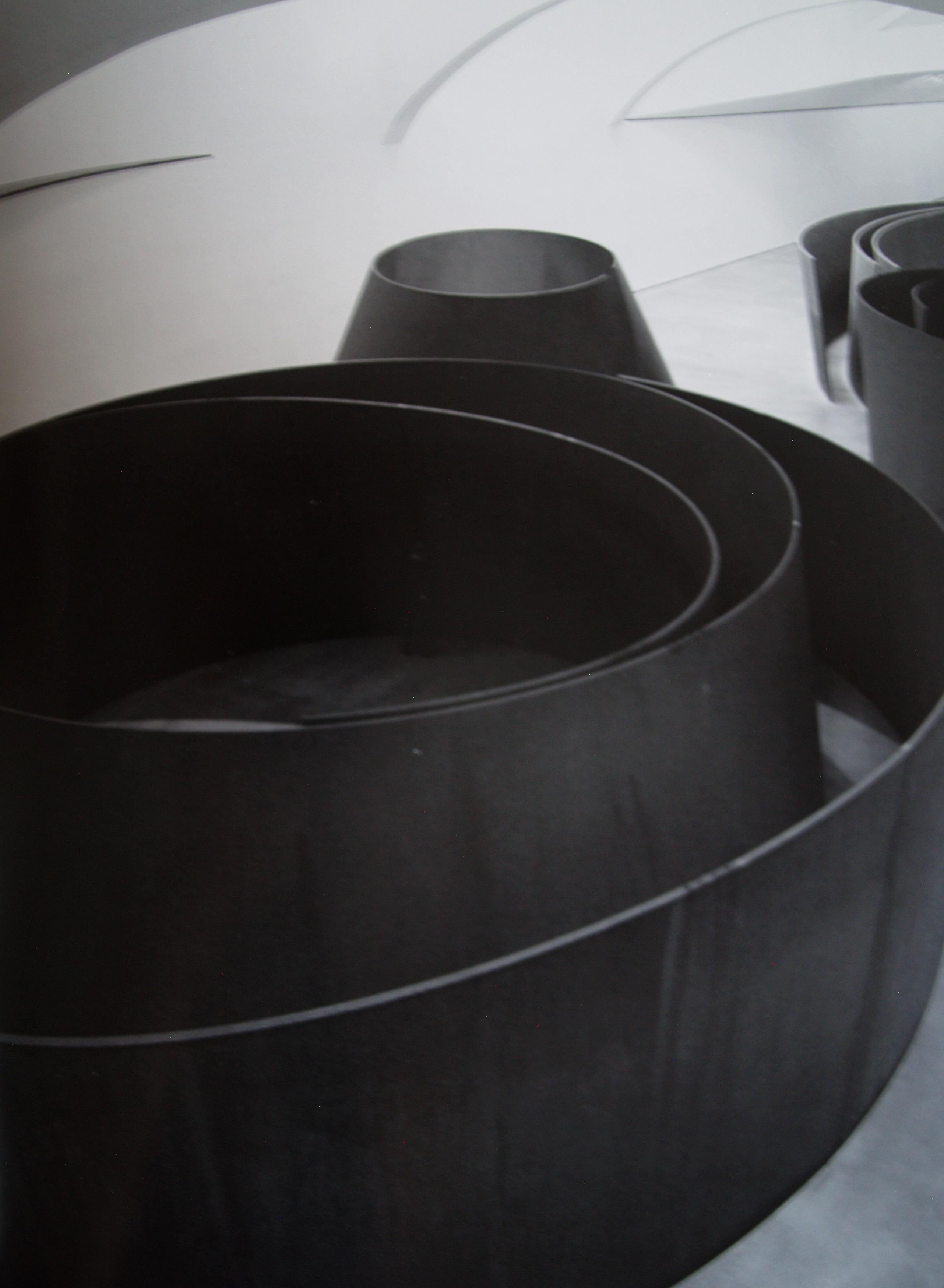 Richard Serra, Torqued Spiral, Detail der Installation The