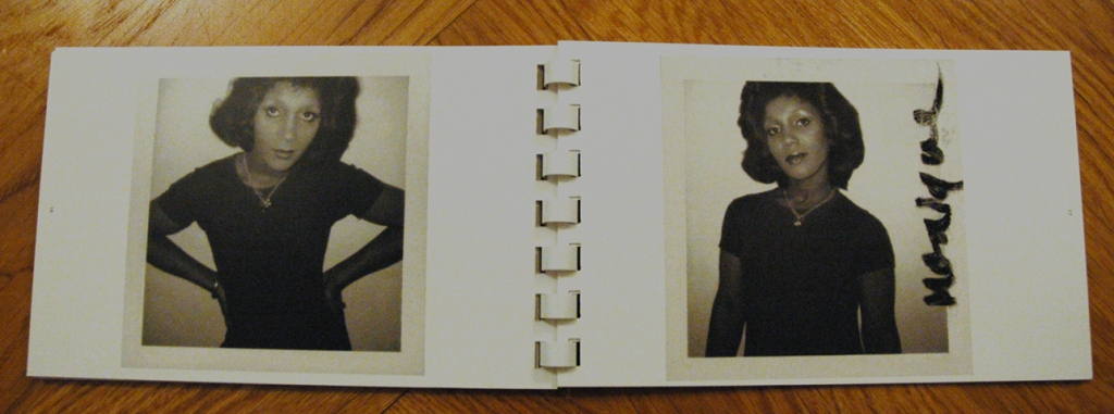 Book #60, 1974, Polaroid Type 87, black and white. Monique (Drag Queen) (Foto: Marlene Obermayer)