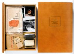 Künstlerbuch   Artists' book: George Brecht, Geoffrey Hendricks u.a., LAUDATIO SCRIPTA PRO GEORGE MACIUNAS CONCEPTA HOMNIBUS FLUXI, 1976 (Unikat)