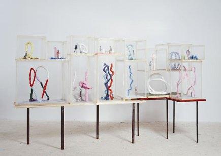 Franz West, Ecke (Corner), 2009, Installation, Foto: Lukas Schaller, Privatsammlung Schweiz, © Franz West