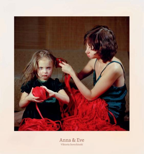 Objekt des Monats Mai: Anna & Eve by Viktoria Sorochnski, Peperoni Books 2013