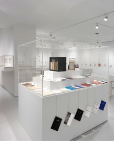 """ED RUSCHA Books & Co."" Installation view. (Photo by Rob McKeever)"
