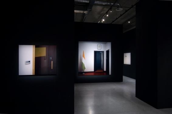 Ausstellungsansicht im MUMOK Wien, 2009 (von links nach rechts: Embassy III, Embassy IV, Embassy IV.a)