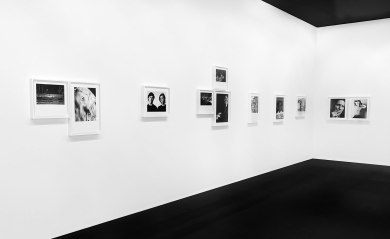 Hedi Slimane. Sonic (http://www.wallpaper.com/art/sonic-moments-a-new-exhibition-of-rocknroll-photographs-by-hedi-slimane-opens-at-paris-fondation-pierre-berg/7992#105096)