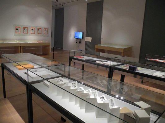 Ausstellung: KÜNSTLERBÜCHER _ ARTISTS´ BOOKS. Internationale Exponate von 1960 bis heute, Stift Admont (Foto: Stift Admont)