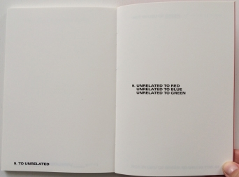 Lawrence Weiner, GREEN AS WELL AS BLUE AS WELL AS RED (Zédélé Éditions, 1972/2012)