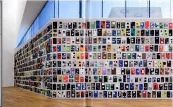 Paul Chan, Volumes, 2012, in: Ausstellungskatalog | Paul Chan. Selected Works (Sammlung der Emanuel Hoffmann-Stiftung, Laurenz-Stiftung, Schaulager, Basel 2014)