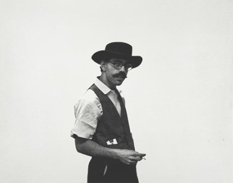 "Seth Siegelaub, organizer and publisher of the exhibition, ""January 5-31, 1969"" 1969. New York, Museum of Modern Art (MoMA). Gelatin silver print, 8 1/16 x 10"" (20.3 x 25.4 cm). Seth Siegelaub Papers. Gift of Seth Siegelaub and the Stichting Egress Foundation, Amsterdam, I.A.120. The Museum of Modern Art Archives, New York (copyright unknown). Cat.no.: MA2178).© 2015. Digital image, The Museum of Modern Art, New York/Scala, Florence"