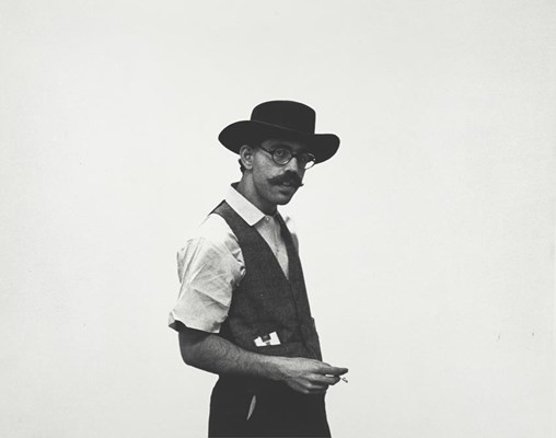 "Seth Siegelaub, organizer and publisher of the exhibition, ""January 5-31, 1969"" 1969. New York, Museum of Modern Art (MoMA). Gelatin silver print, 8 1/16 x 10"" (20.3 x 25.4 cm). Seth Siegelaub Papers. Gift of Seth Siegelaub and the Stichting Egress Foundation, Amsterdam, I.A.120. The Museum of Modern Art Archives, New York (copyright unknown). Cat.no.: MA2178).© 2015. Digital image, The Museum of Modern Art, New York/Scala, Florence"